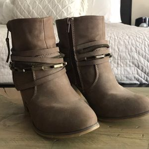 Liliana ankle boots booties sz 8